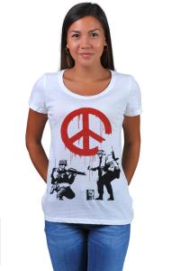 Футболка Бэнкси. Солдаты и Знак Мира | Banksy. Soldiers painting Peace sign